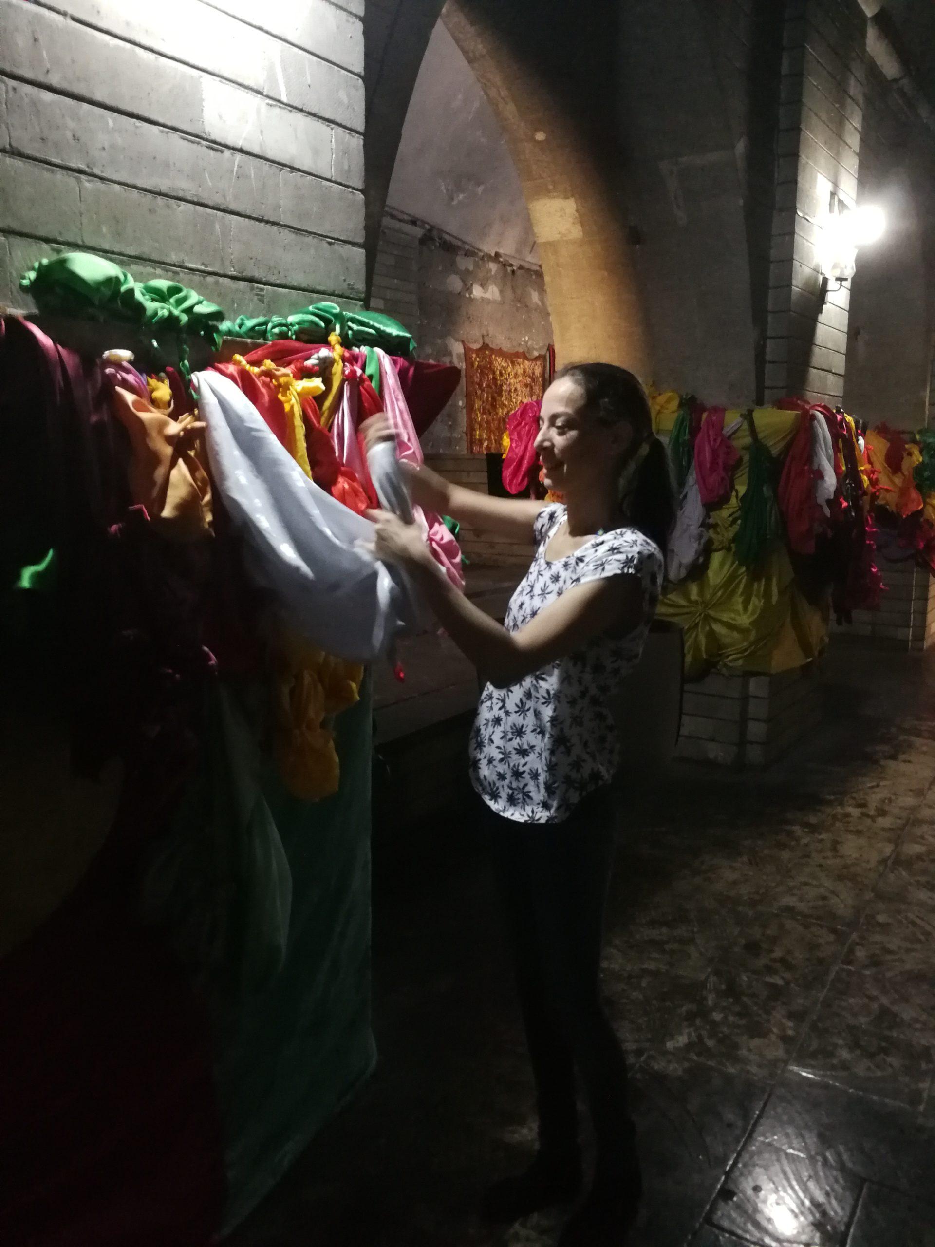Nadine Papai von Lebenszeichen in Lalisch, Kurdistan